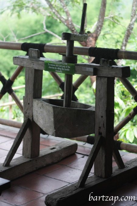 alat-pengupas-biji-kopi-mesatila-resort-magelang