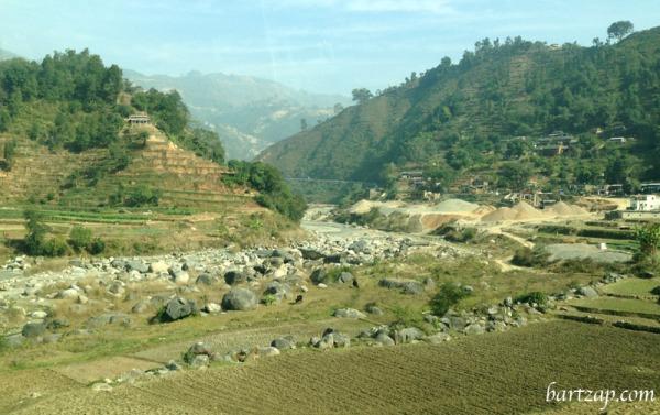 pemandangan-antara-pokhara-kathmandu-1