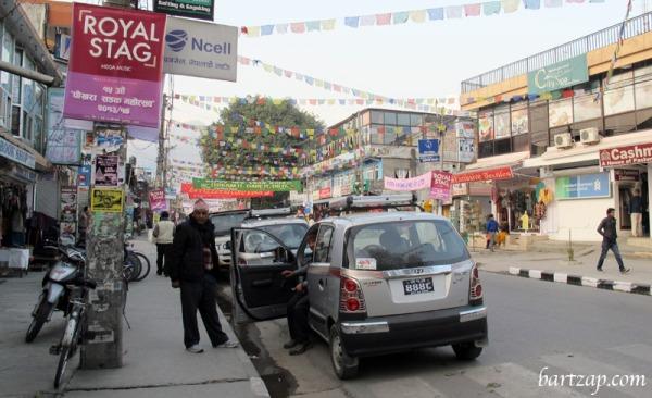 suasana-jalan-utama-pokhara