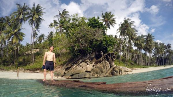 pantai labuana dan donggala - pantai di indonesia yang ingin dikunjungi untuk ngeblog