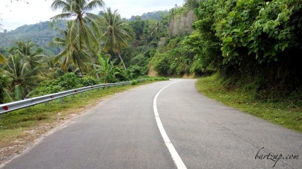 jalan-trans-palu-toli-toli-menuju-pantai-labuana-donggala