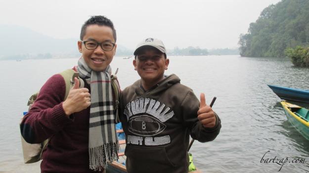 tukang-perahu-danau-phewa-pokhara