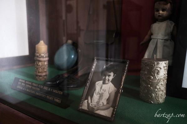 memorabilia-ade-irma-suryani-nasution-di-kamarnya