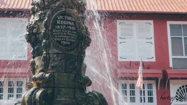 queen-victoria-fountain-malaka-malaysia01
