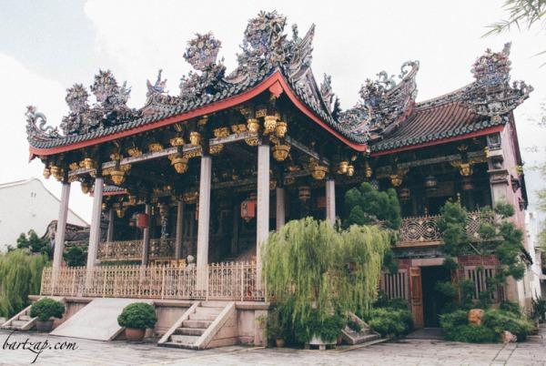 bangunan-leong-san-tong-khoo-kongsi-bergaya-fujian-selatan-george-town-penang-malaysia-bartzap-dot-com