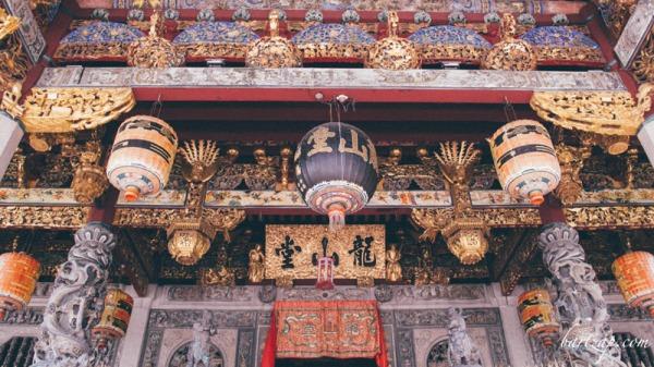 detail-leong-san-tong-khoo-kongsi-george-town-penang-malaysia