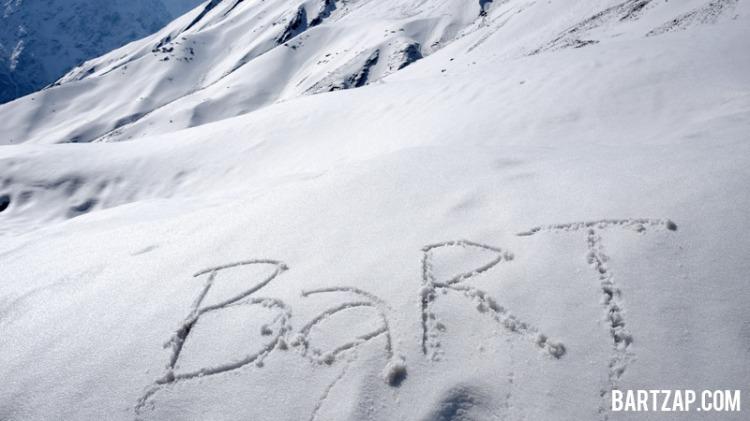 bermain-salju-di-annapurna-base-camp