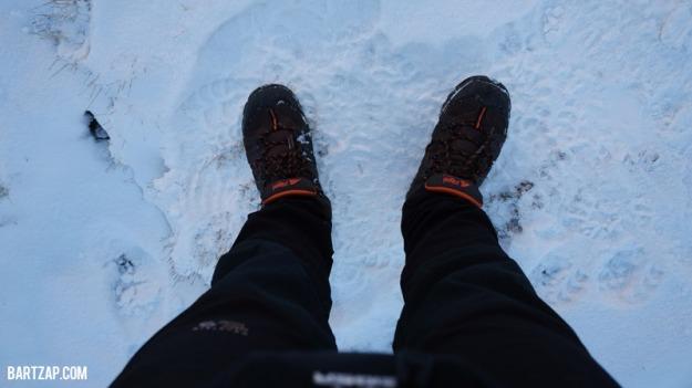 tumpukan-salju-di-annapurna-base-camp