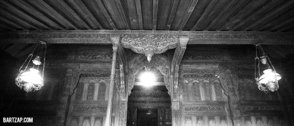 detail-pada-rumah-adat-kudus-pengaruh-kyai-telingsing