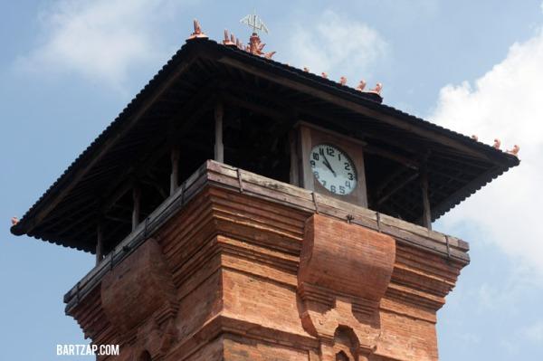 lantai-atas-menara-kudus-masjid-al-aqsha-sunan-kudus-bartzap-dotcom