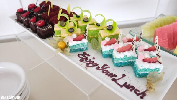 lunch-dessert-terrace-cafe-weekday-getaway-di-prime-park-bandung-bartzap-dotcom