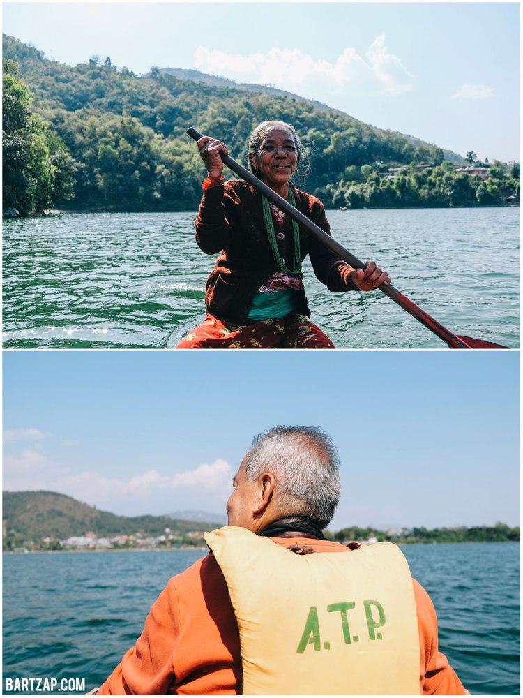 berperahu-di-danau-phewa-pokhara-2-nepal-cultural-trip-2018-catatan-perjalanan-bersama-kawan-bartzap-dotcom