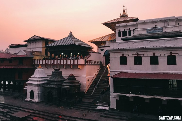 kuil-pashupatinath-nepal-cultural-trip-2018-catatan-perjalanan-bersama-kawan-bartzap-dotcom