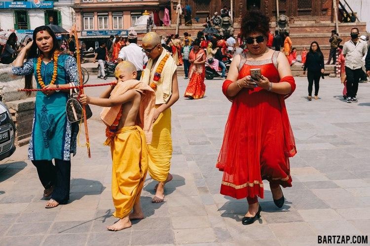 suasana-setelah-upacara-di-basantapur-kathmandu-durbar-square-nepal-cultural-trip-2018-catatan-perjalanan-bersama-kawan-bartzap-dotcom