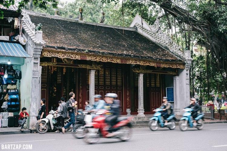 bangunan-asia-di-old-quarter-hanoi-vietnam-pada-pandangan-pertama-bartzap-dotcom