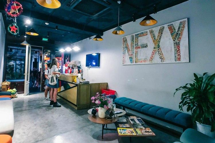 nexy-hostel-penginapan-backpacker-keren-di-hanoi-old-quarter-bartzap-dotcom