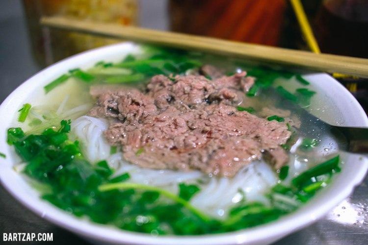 pho-bo-di-hanoi-vietnam-pada-pandangan-pertama-bartzap-dotcom