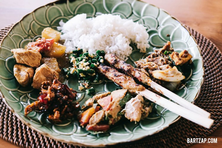 komplet-ubud-kelas-memasak-di-paon-bali-bartzap-dotcom