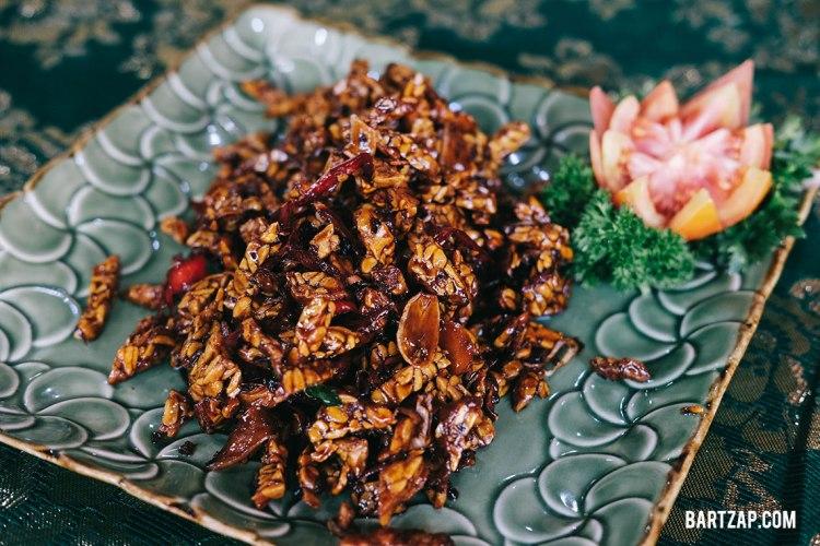 orek-tempe-ubud-kelas-memasak-di-paon-bali-bartzap-dotcom